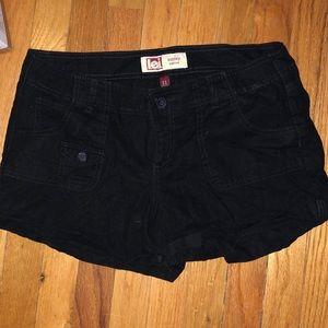 Lei black shorts
